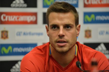 Spain's defender Cesar Azpilicueta attends a press conference at Wembley Stadium, north-west London, on November 14, 2016 ahead of their international friendly football match against England on November 15. / AFP / OLLY GREENWOOD / NOT FOR MARKETING OR ADVERTISING USE / RESTRICTED TO EDITORIAL USE         (Photo credit should read OLLY GREENWOOD/AFP/Getty Images)