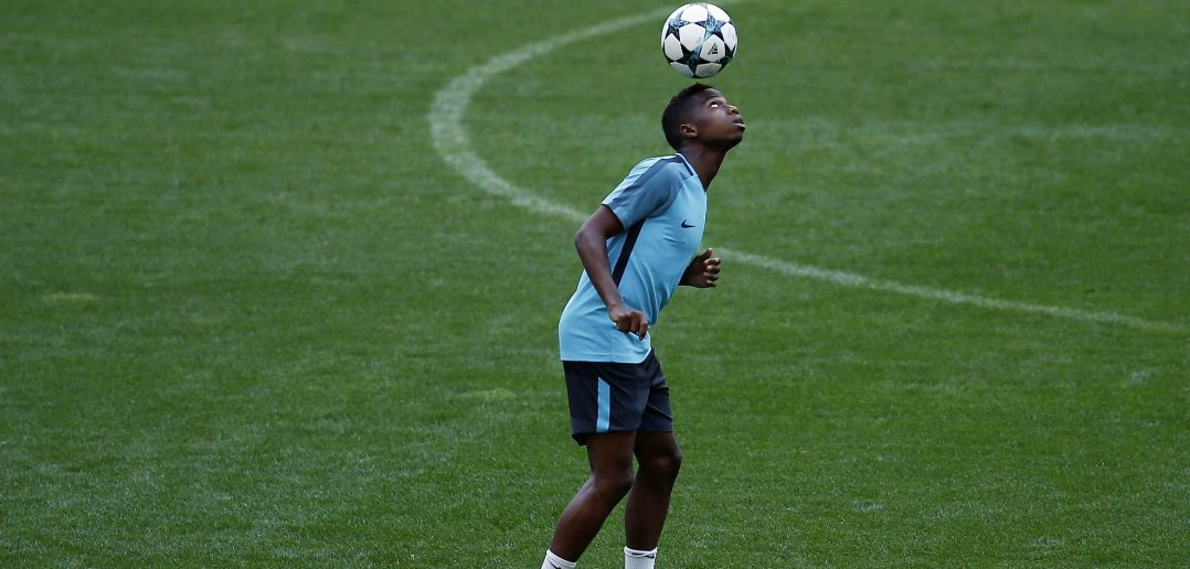 MADRID, SPAIN - SEPTEMBER 26:  Charly Musonda of Chelsea FC excercises during a training session ahead of the UEFA Champions League Group C match between Atletico de Madrid and Chelsea FC at Wanda Metropolitano stadium on September 26, 2017 in Madrid, Spain.  (Photo by Gonzalo Arroyo Moreno/Getty Images)