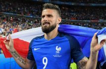 PARIS, FRANCE - JULY 03:  Olivier Giroud of France celebrates his team's 5-2 win after the UEFA EURO 2016 quarter final match between France and Iceland at Stade de France on July 3, 2016 in Paris, France.  (Photo by Matthias Hangst/Getty Images)